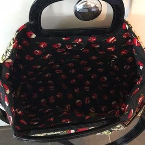 Vera Bradley Bags - 1 HR SALE Vera Bradley Convertible Satchel